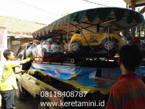 kereta panggung mobilan kecil